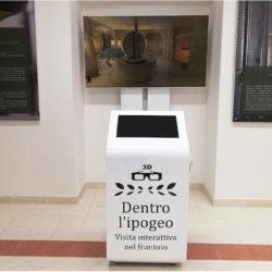 Totem multimediale: Museo dell'olio (Torre Santa Susanna, BR)